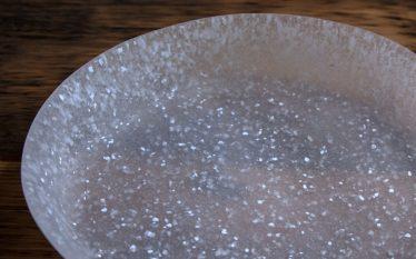 うつわの世界~涼しくファンタジック ハシヅメミツコのガラス皿~