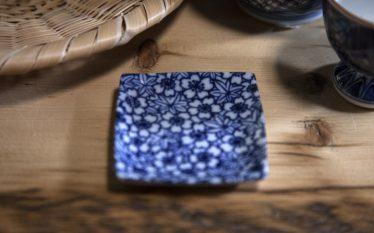 うつわのコーディネートアイデア ~竹ざると藍色のベストコンビネーション~
