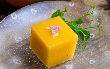 こっくりと美味しい秋デザート 柿のゼリー寄せ