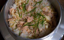 寒い季節が一番美味しい! 鮭の炊き込みごはん
