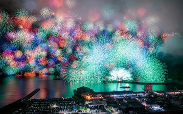 日本を旅する[三重]きほく燈籠祭・彩雲孔雀