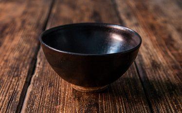 うつわの世界~ご飯を映えさせる黒唐津~