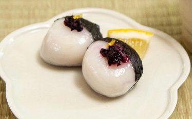 甘味と塩味の美味しい和菓子 赤じそ白玉だんご
